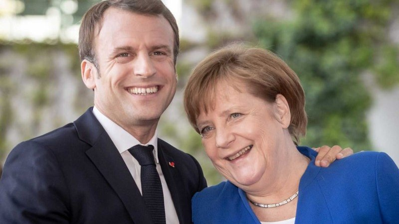 Зеленский уговорил Макрона и Меркель поболтать о Донбассе без Путина