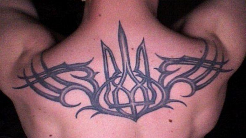 И так все узнали: британская полиция удалит изображение украинского герба из антитеррористического пособия
