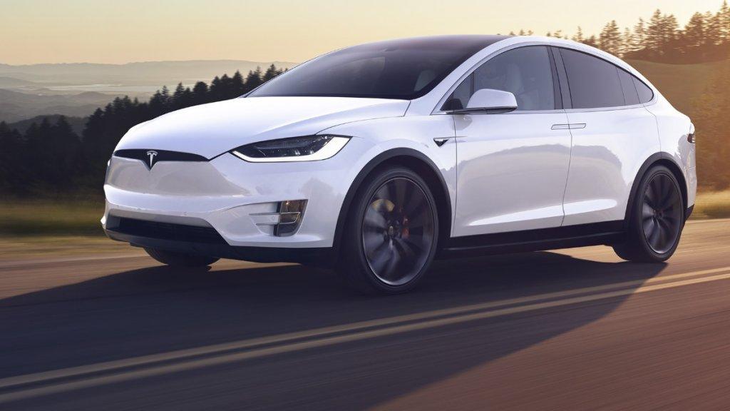 Tesla объявила об отзыве 15 тысяч машин из-за коррозии