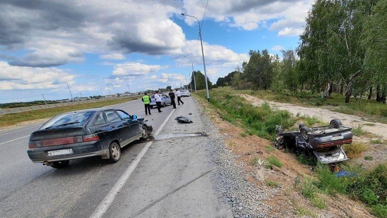 В Тюменском районе в ДТП один человек погиб, еще пятеро получили травм