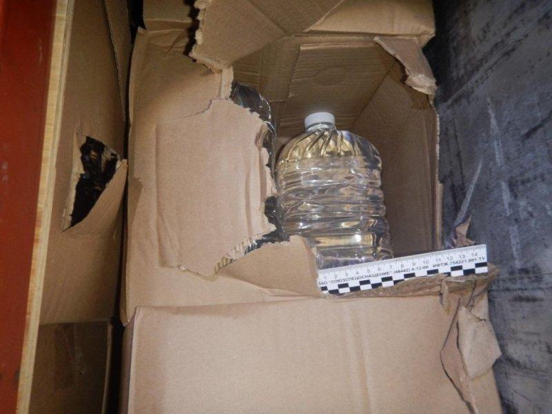 ВКрым ввиде макулатуры привезли 28 тыс. литров паленого спирта