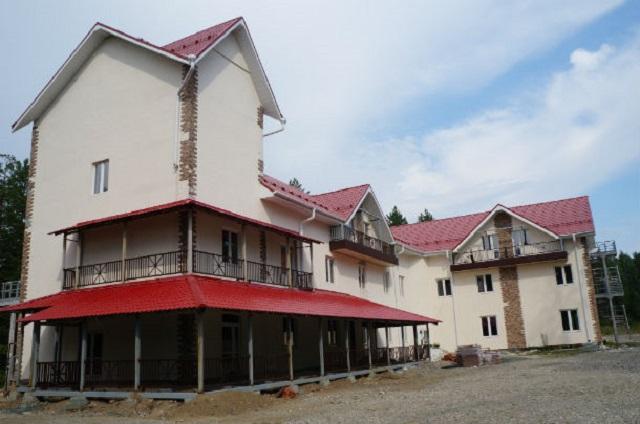 ВСвердловской области награнице Европы иАзии сносят гостиницу