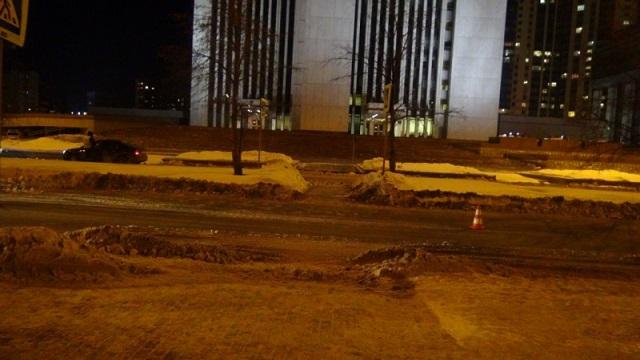 ВЕкатеринбурге под окнами «белого дома» пострадала девушка