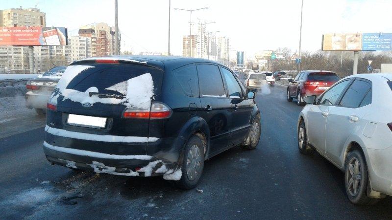 Утреннее столкновение наНовокольцовском тракте случилось из-за умершего зарулем водителя
