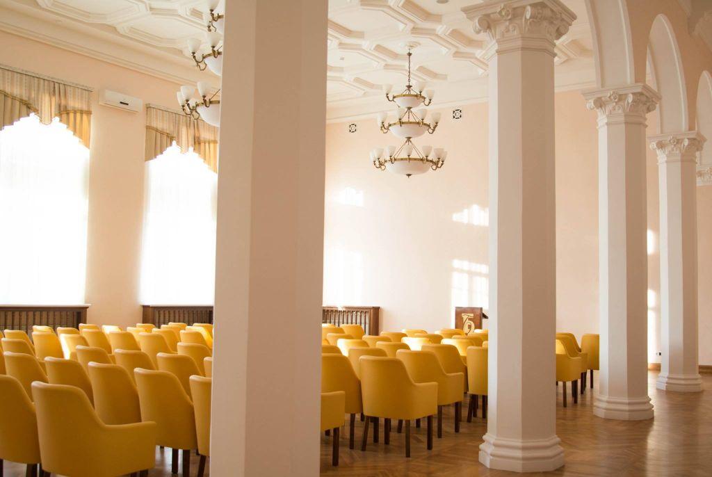ВЕкатеринбурге открыли отремонтированную библиотеку имени Белинского