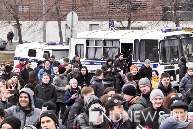 Количество задержанных, численность ифото— Митинг против коррупции