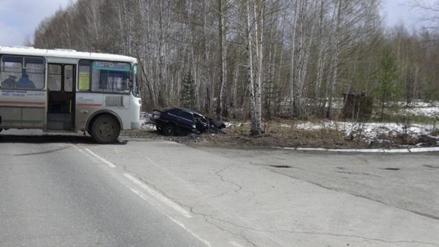 Под Нижним Тагилом вДТП срейсовым автобусом умер человек