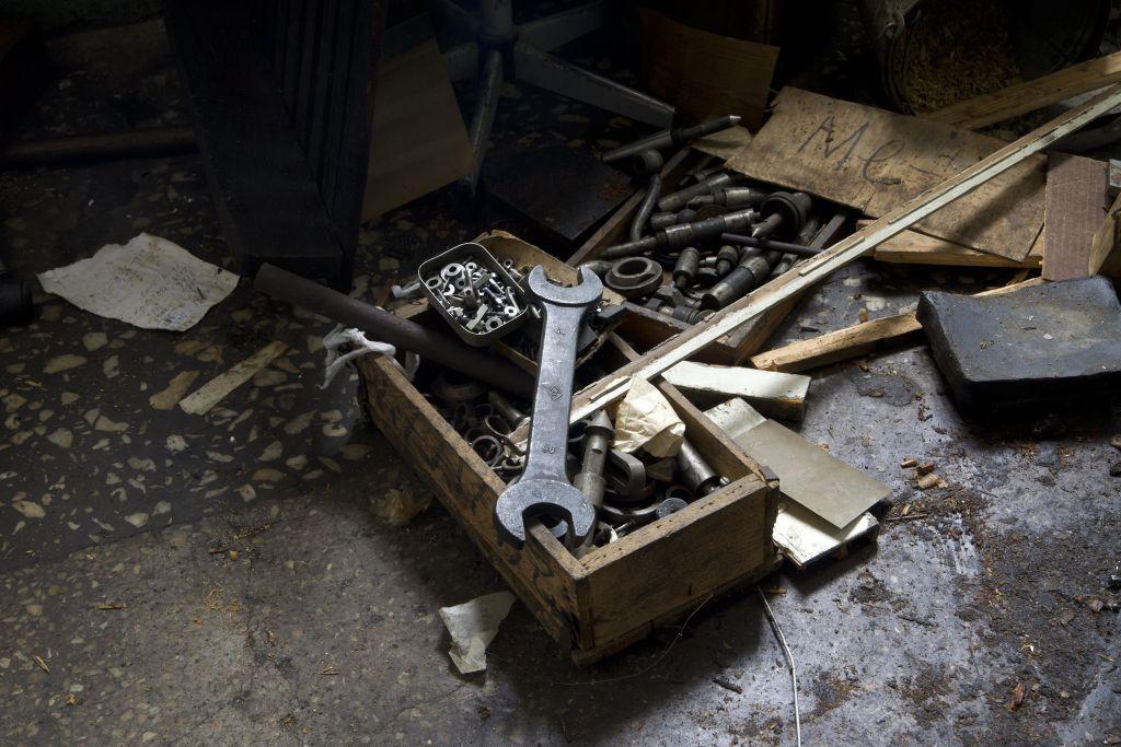 Для биеннале современного искусства вбывшем помещении Уральского приборостроительного завода сломают стены