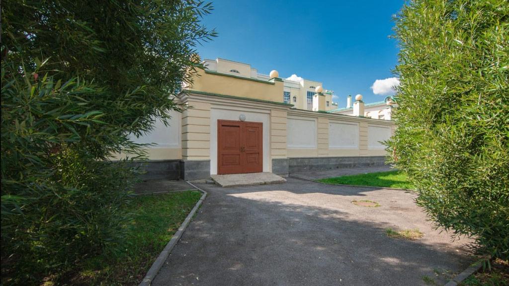 Вцентре Екатеринбурга реализуют туалет за12 млн.