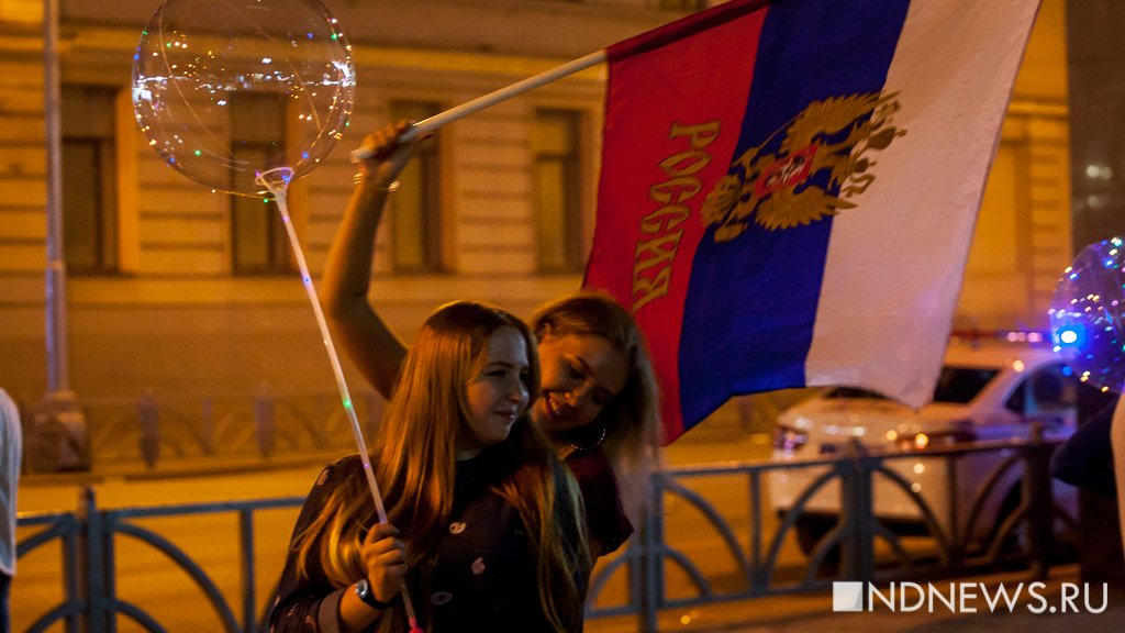 «Это уже победа»: как Екатеринбург болел за сборную Россию в последнем для нас матче ЧМ-2018 (ФОТО)