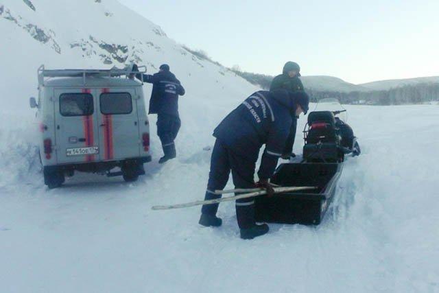 Cотрудники экстренных служб предотвратили угрозу схода снежной лавины нажилые дома Аши