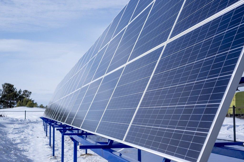 В Югре запущена первая солнечная электростанция