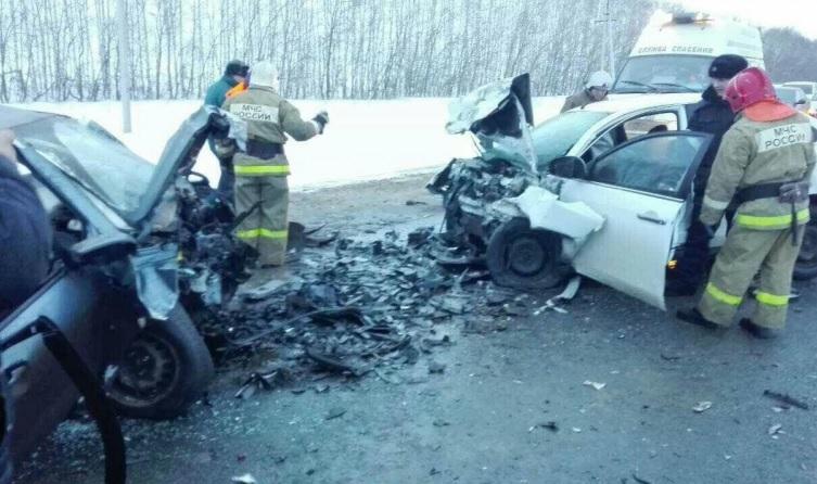 Шесть человек погибли в трагедии под Саратовом