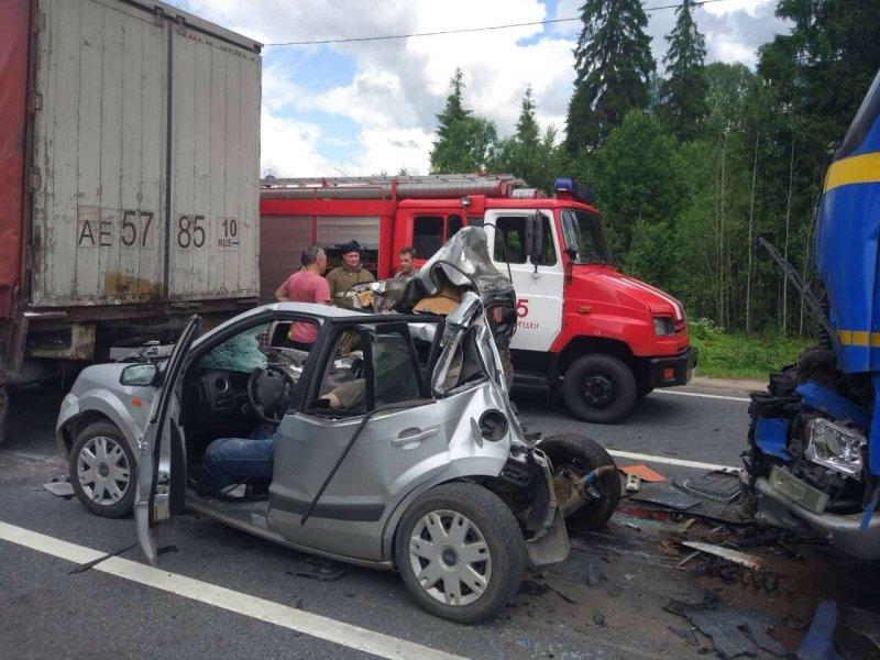 Врезультате дорожного происшествия натрассе «Россия» погибли три человека