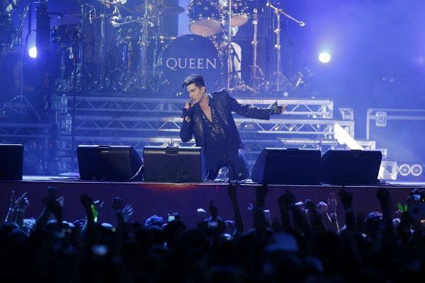 ����� ������: ����� ���� � ������ Queen ������� � ���-���� ����� ����� 200 ����� �������� (����, �����)