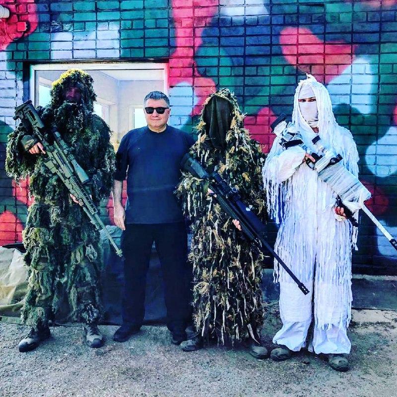 Глава МВД Украины хвалится снайперами нацгвардии и не собирается прекращать войну