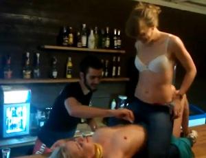 Девки в мини ласкают друг друга в клубах видео фото 297-593