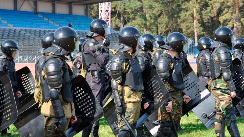 В России митингующих усмирят иностранные наемники