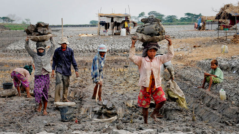 the issue of child labor in the modern world