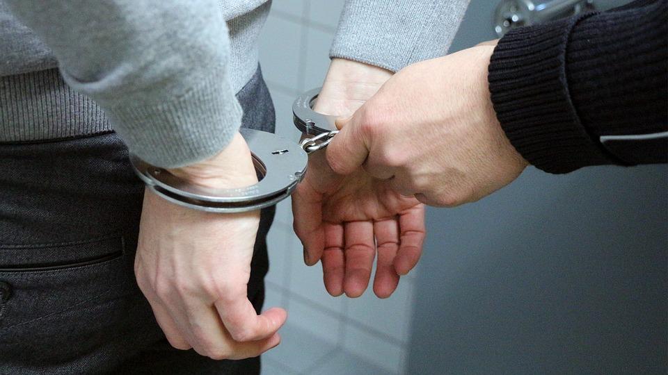 Итог обысков в пуровской администрации: задержан чиновник