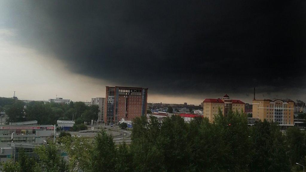 тюмень сегодня шторм фото