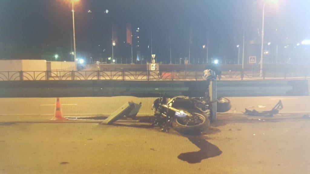 В Екатеринбурге за ночь три байкера получили серьезные травмы в ДТП (ФОТО)