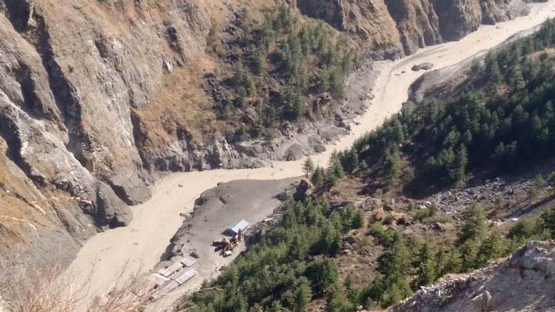 Сход ледника в Индии: около 150 человек пропали без вести