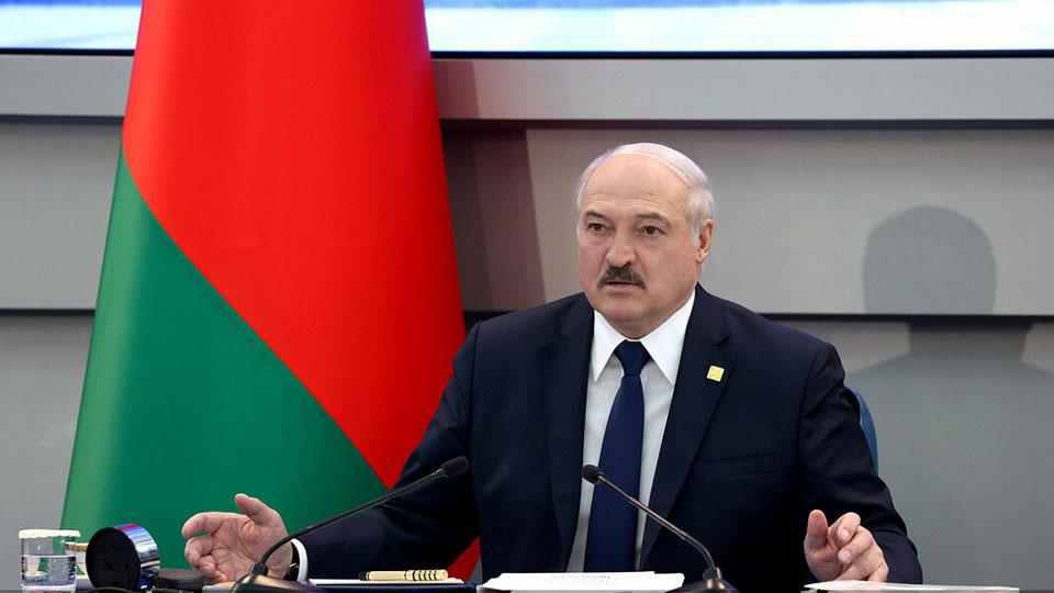 Лукашенко назвал антинародным руководство Украины