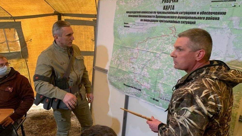 Тюменский губернатор облетел районы, где горят леса – ситуация в области остается сложной
