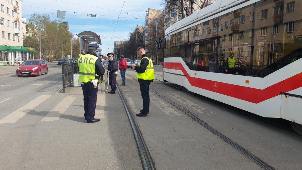 Десятилетняя велосипедистка попала под трамвай (ФОТО)