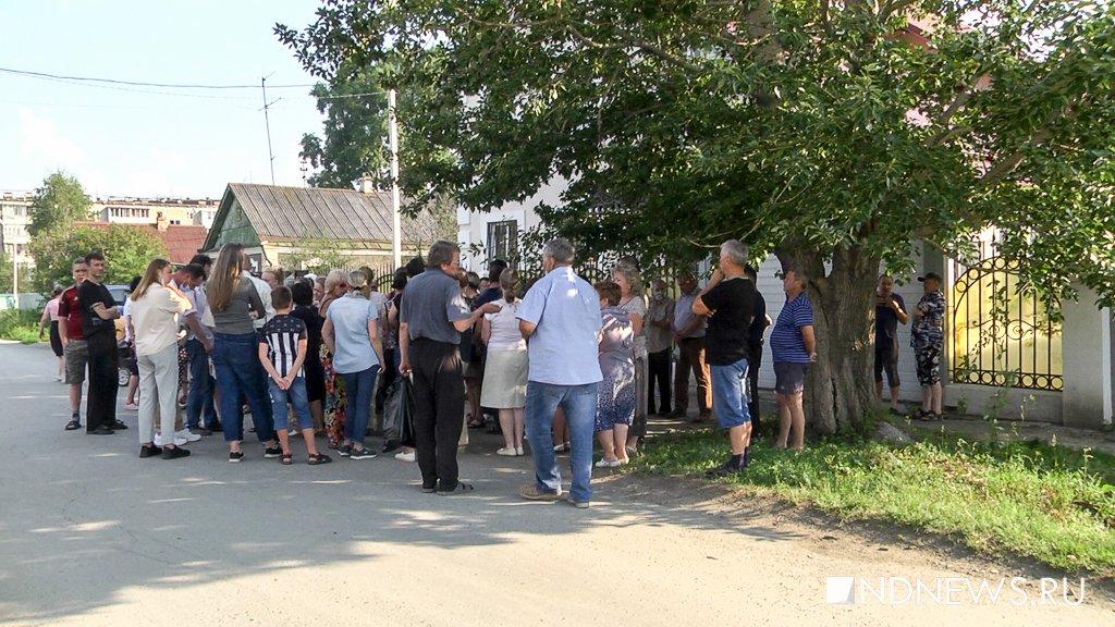 Жители 54 коттеджей на Уктусе боятся, что их дома пойдут под снос (ФОТО, ВИДЕО)
