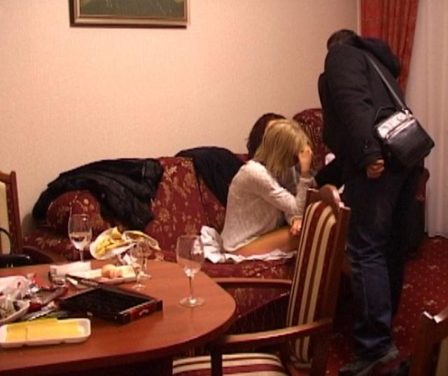 в гостинице предлагали проституток