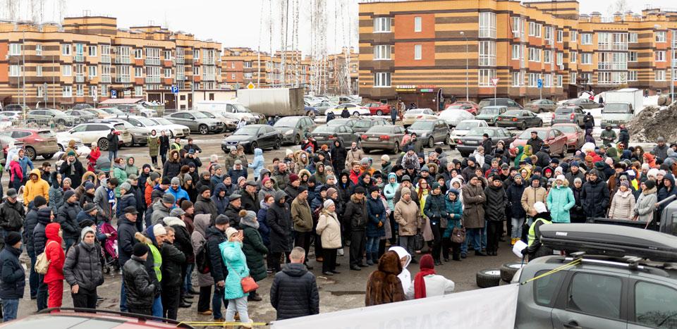 Где парковки?   А вигвам!   Новая  Москва поднялась на массовый митинг
