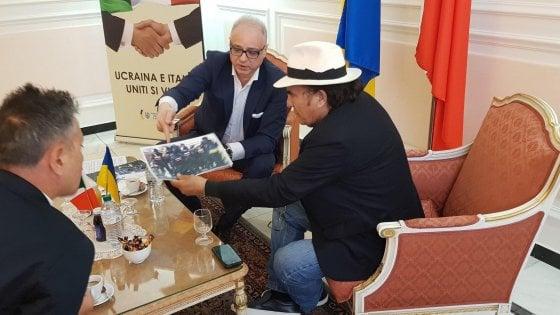 Новый День: Посол Украины в Италии оказался мелким жуликом, цинично обманув Альбано Карризи